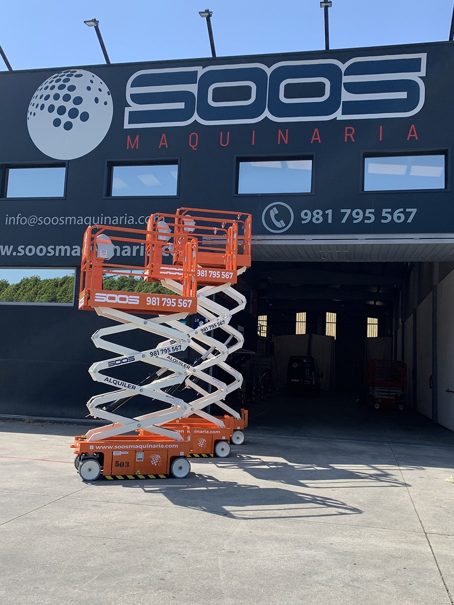 Snorkel S3219E electric scissor lifts in SOOS Maquinaria livery ready to rent